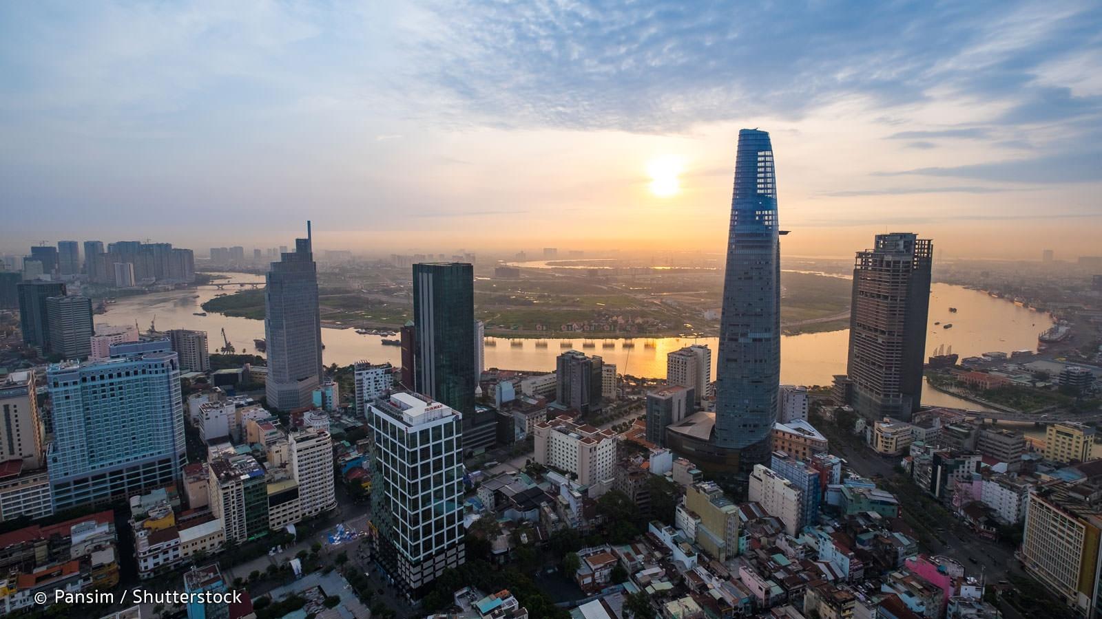 Q: Là một người Trung Quốc, bạn nghĩ gì về tương lai của nền kinh tế Việt Nam so với các nước Đông Nam Á khác? 41