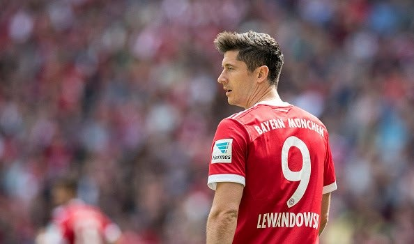 Are Suarez and Lewandowski the best strikers in the 21st century