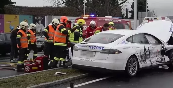 What happens when a Tesla car crashes? Is the driver ...