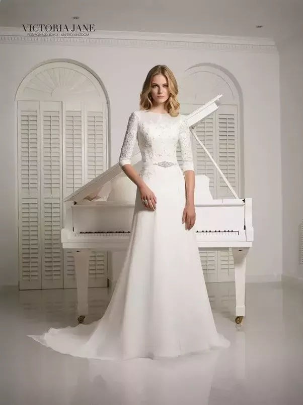 What are some of the best styles for a winter wedding dress? - Quora