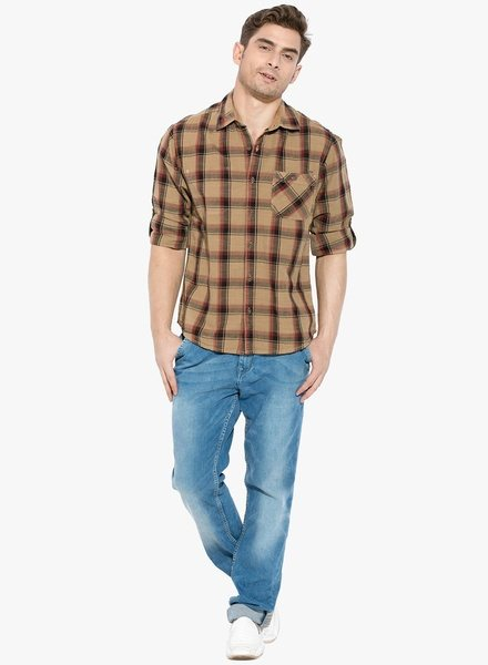 What pants go with a brown shirt?