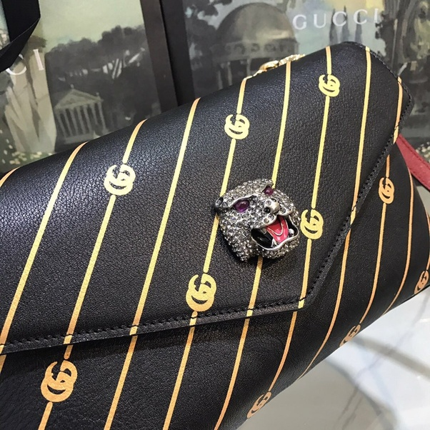 776028af206 ... replicas of different brands and the quality is very good. I myself  ordered a bag from them and am very pleased. Reasonable prices and fast  delivery.