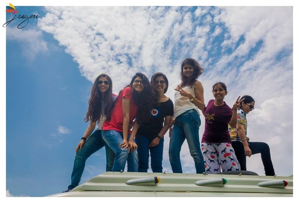 Are there any travel groups for solo women travellers within India