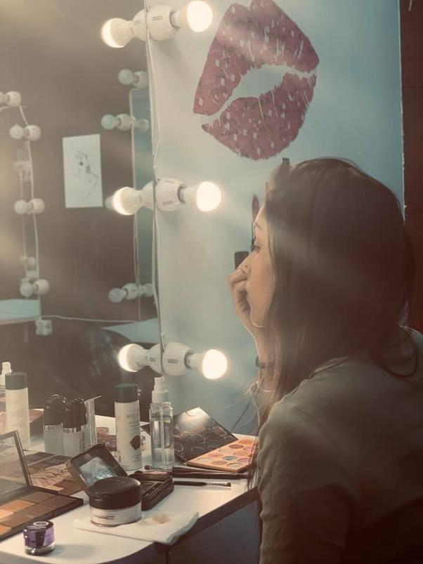 Which is the best makeup artist school in Delhi? - Quora