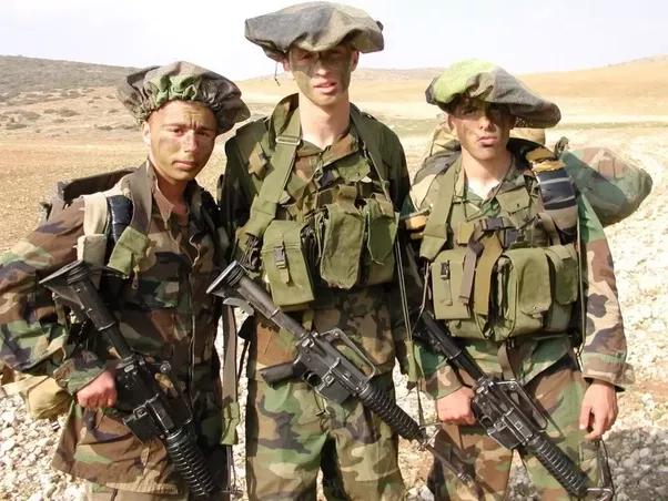 israeli army headgear