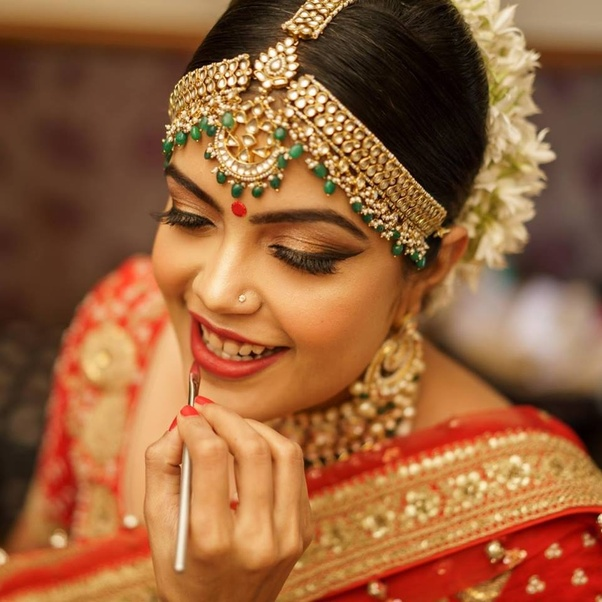 What Hairstyle Should I Get On Wearing Lehenga Quora