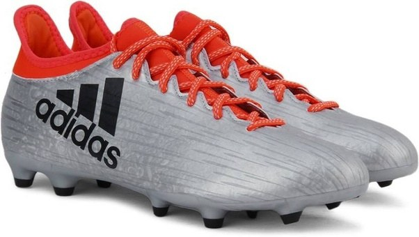 What are the best football shoes in india? - Quora