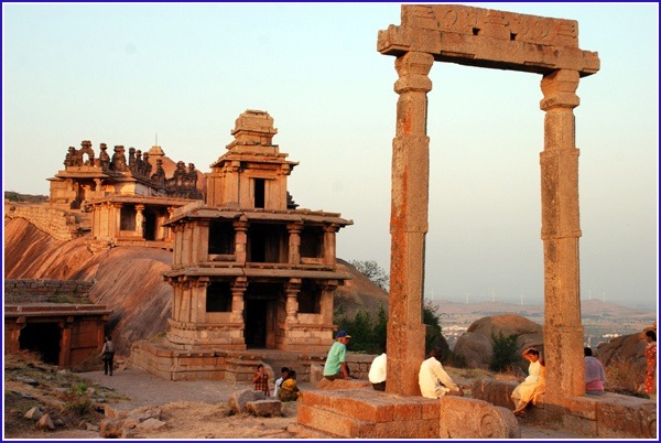 Legacy Fort Mill >> What are some amazing facts about Chitradurga fort in ...