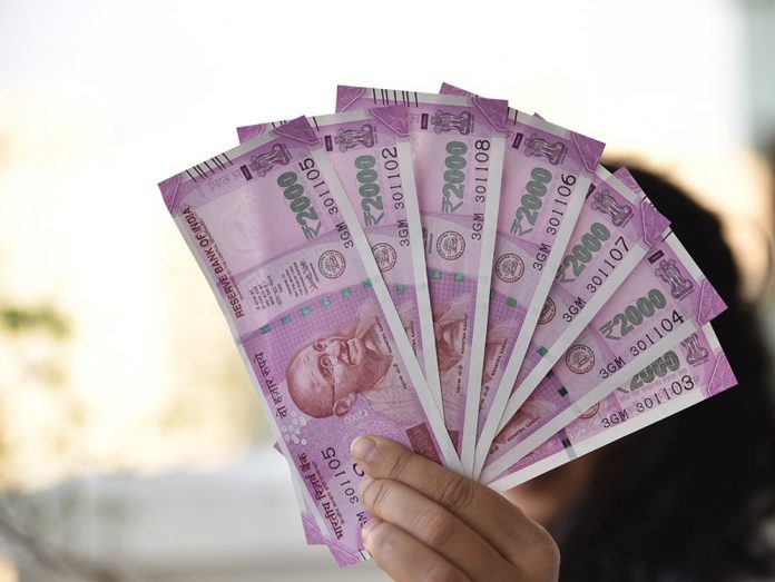 Has anyone in India got rich by winning a lottery ticket