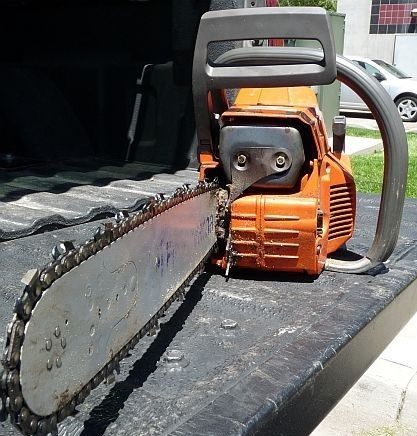 Why do chainsaw chains stretch quora chainsaw chain tension should be checked and tightened often we explain simple steps for how to tension a chainsaw chain below greentooth Gallery