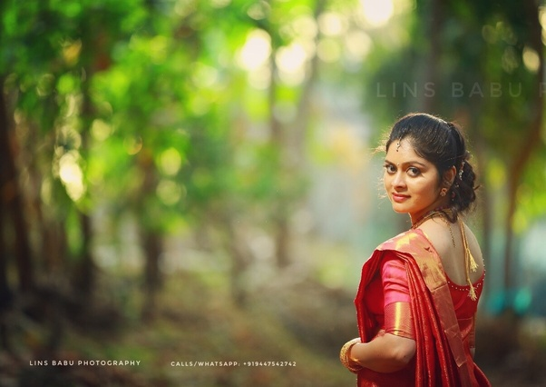 images?q=tbn:ANd9GcQh_l3eQ5xwiPy07kGEXjmjgmBKBRB7H2mRxCGhv1tFWg5c_mWT Get Inspired For Outdoor Wedding Photography Kerala @capturingmomentsphotography.net