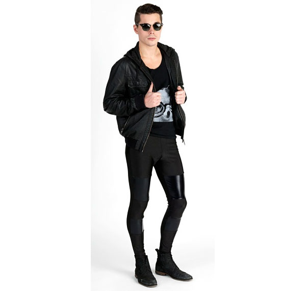 2496614603 And here's a guy wearing a skin-tight pair of leggings with a casual black  t-shirt.