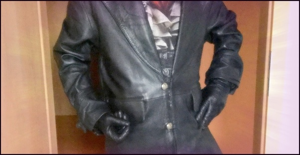 4ee819397b7c ... behind my decisions why I wear women's leather gloves as a man with a  goatee. I mean, would you even look so close at such a detail like my  hands?:
