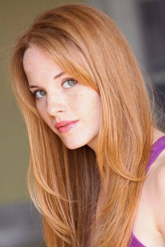 What's the difference between strawberry blonde and light ...
