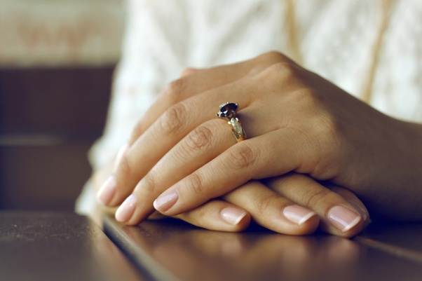 Can I use super glue for fake nails? - Quora