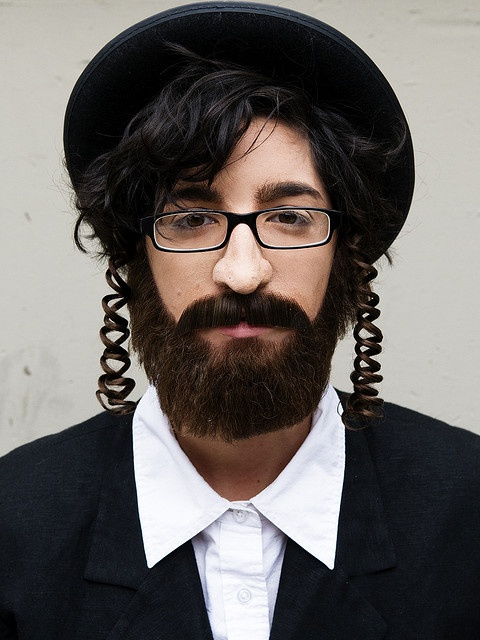 How Do Ultra Orthodox Jewish Men Curl Their Payess So