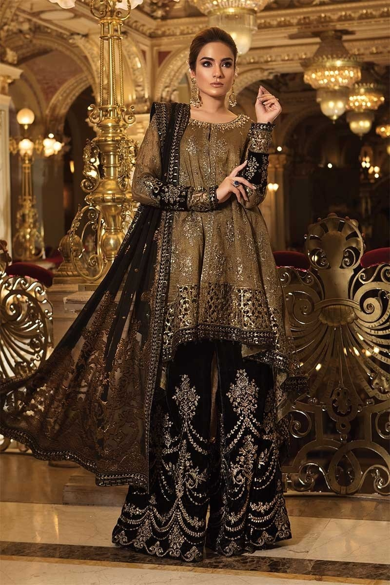 93be8af64f Buy Complete Designer Pakistani Suits Online with Cash on delivery Option  and easy return and replacement policies.