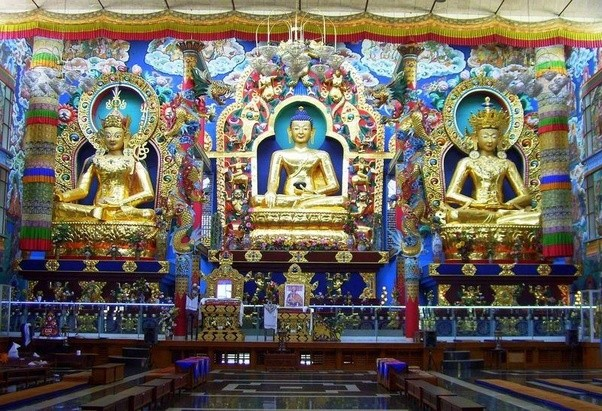 inside of an indian temple - Google Search   Indian temple ...  Inside A Hindu Temple