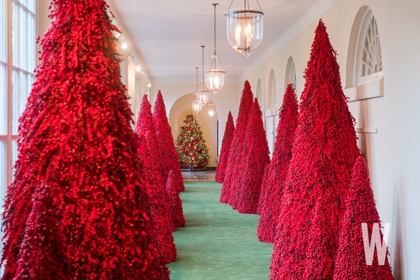 Why Has Melania Trump Decorated The White House Christmas Trees With Blood Red Color Quora