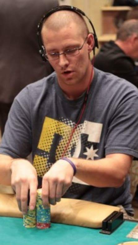 How to to cheat at Texas holdem with a partner - Quora