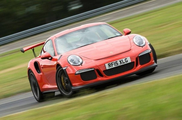 What is the difference between the Porsche 911 GT3RS and the GT2RS Porsche Gte on porsche gt3, porsche hre p101 wheels, porsche turbo s, porsche sapphire blue wallpaper, porsche gemballa, porsche 550 wing, porsche cayenne, porsche 4 door, porsche convertible,
