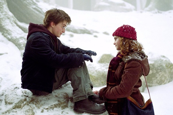 Do Harry and Hermione ever kiss? - Quora