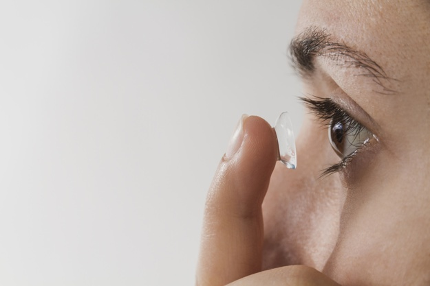 963765662a5 Around a million people groups visit the specialist consistently for  different sort of eye diseases emerging from contact lenses. When you wear  the contact ...