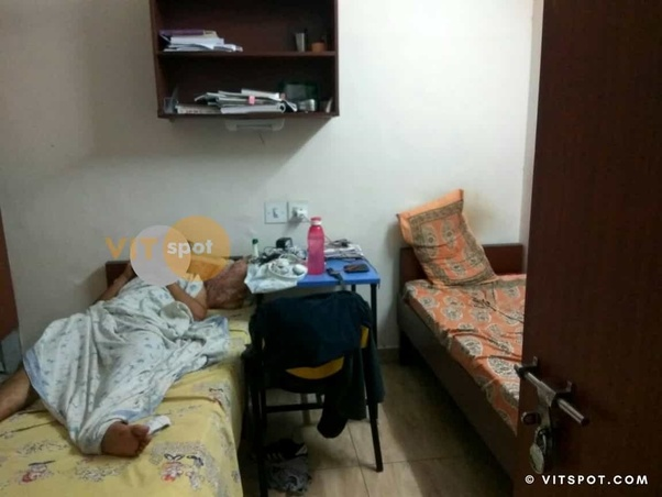 How are the hostel rooms in vit? Please provide pics of your hostel
