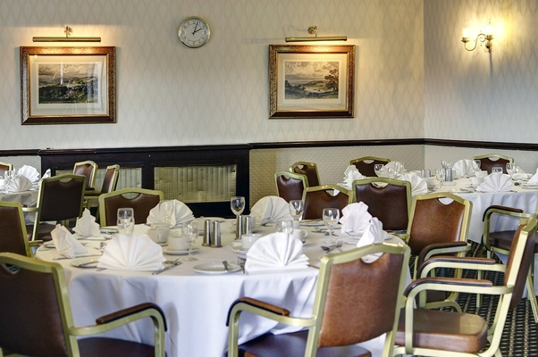 Discover A New Definition Of Style And Sophistication At Calcot Hotel Showcasing Very Convenient Location In BerkshireUK Our Will Provide You