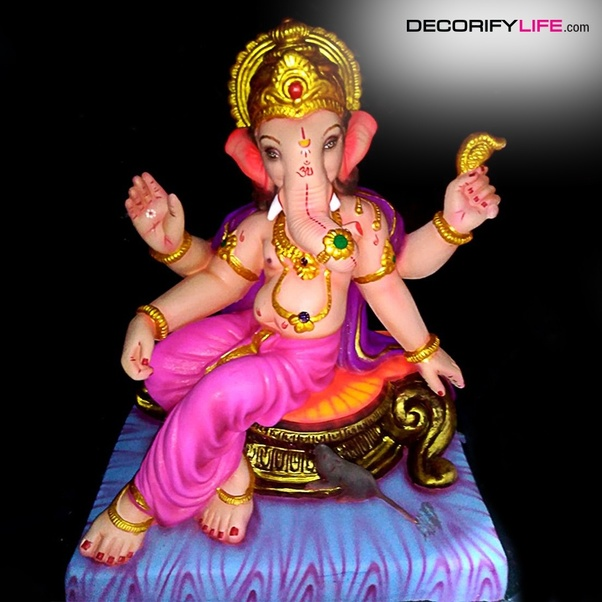 Where and how can I book an eco-friendly Ganesh Murti in