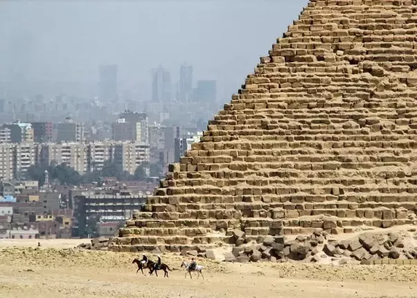 the pyramids at giza essay Grab ideas, see examples and create own perfect archaeology essay and  research  one of the significant pyramids in egypt is the great pyramid of giza.