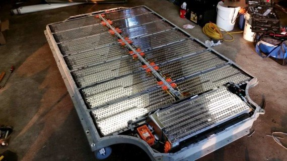 How many 18650 batteries in a tesla