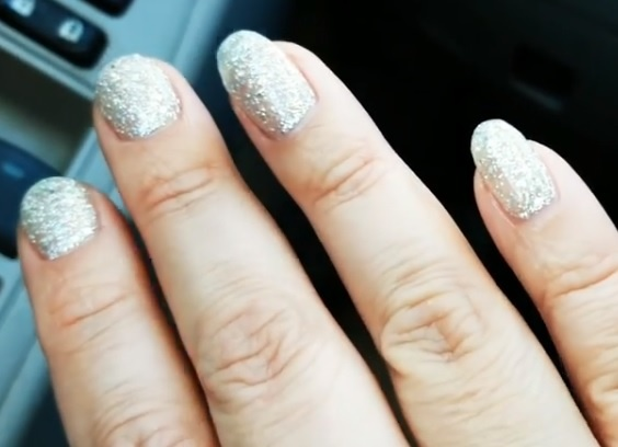 Can I add another coat of gel polish over my gel polish and cure it ...