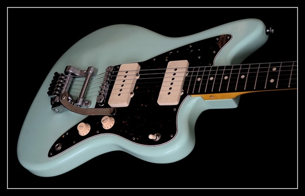 What Are The Pros And Cons Of Playing A Fender Jazzmaster Electric