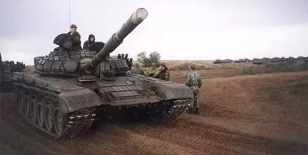 why does russia have so many tanks compared to the rest of the world