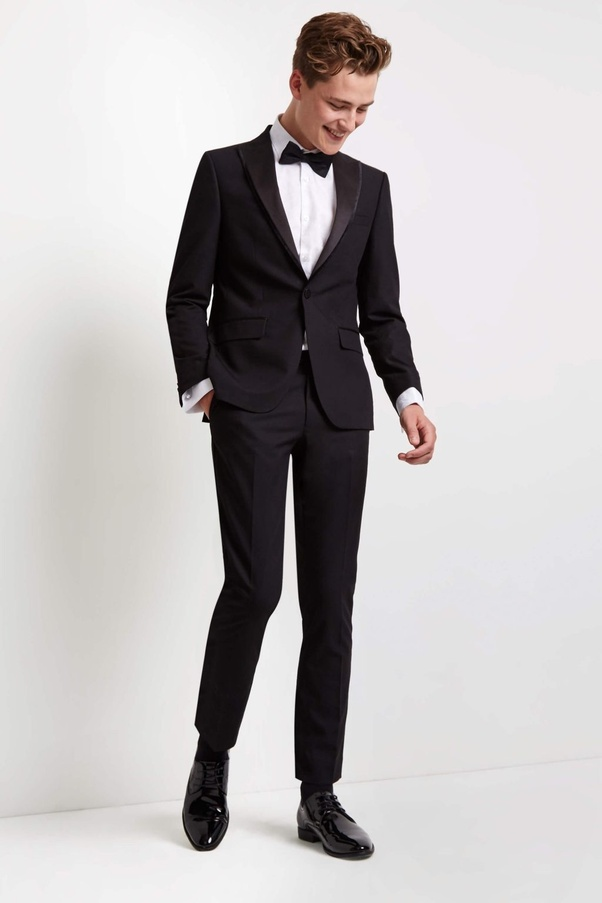 How to dress for a dinner date men