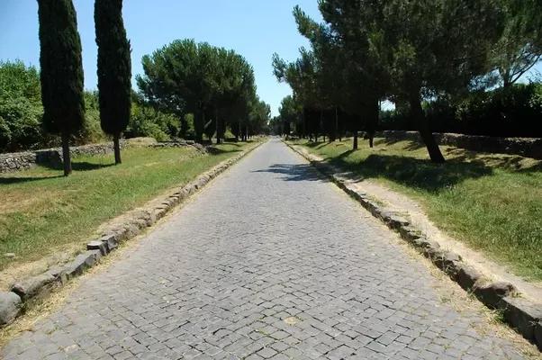 Why were roman roads important quora for Cioccari arredamenti via appia
