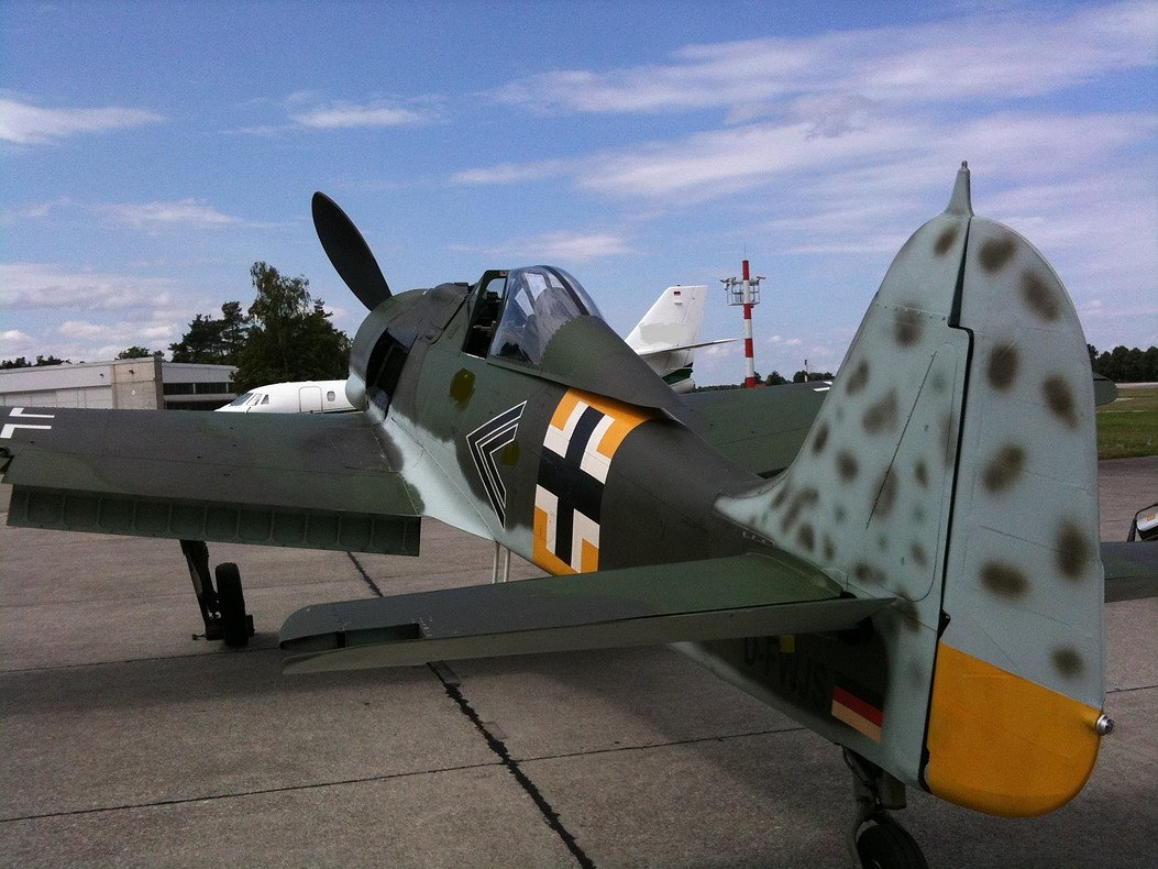 Can you buy a full size air worthy replica of a fw190 if so