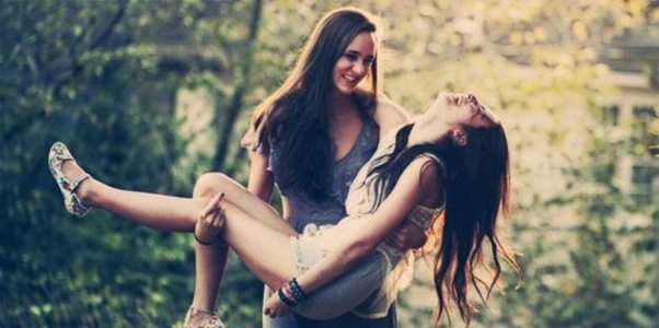 bisexual-girlfriends-pic