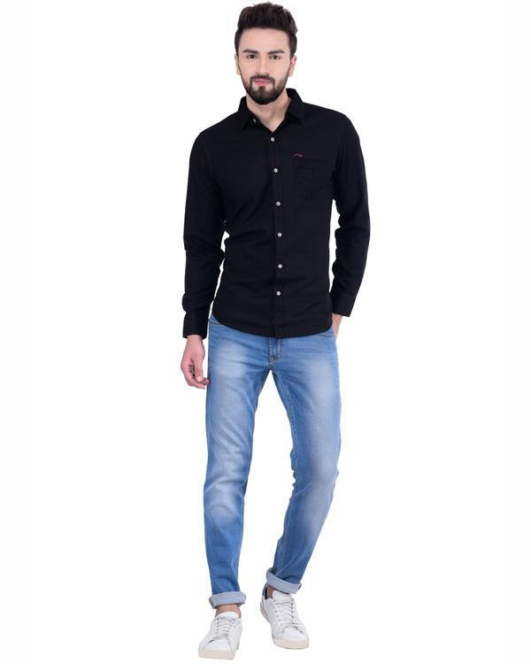 What pants matches a black shirt? - Quora