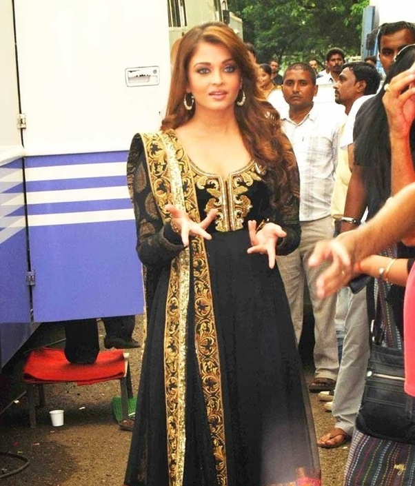 bbc6d6e3c4 To begin with, the former beauty queen Aishwarya Rai Bachchan. Her most of  the fashion outings are marked by Indian traditional outfits and no one  will deny ...