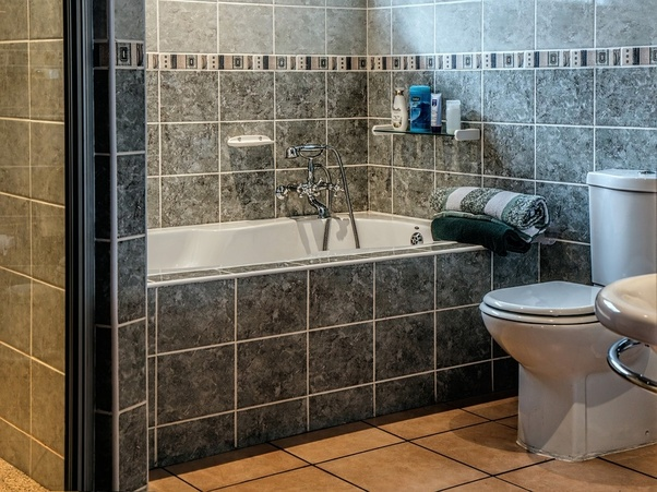 Home Decor: Whatu0027s The Best Way To Redecorate A Bathroom ...