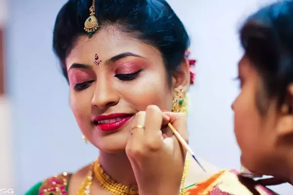 Can you suggest a good make up artist for a south Indian bridal ...