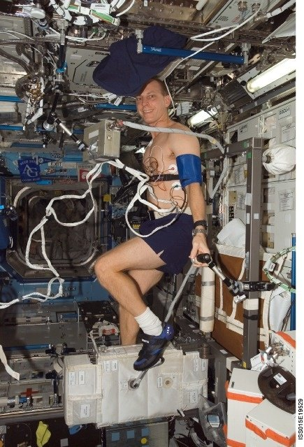 how do astronauts exercise in space and why is it so important - photo #17