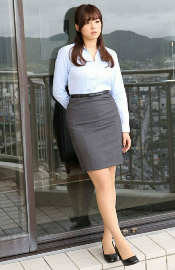 Okay To Wear Short Skirts In An Office