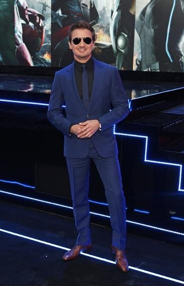 What's the best show option with navy blue suit? - Quora