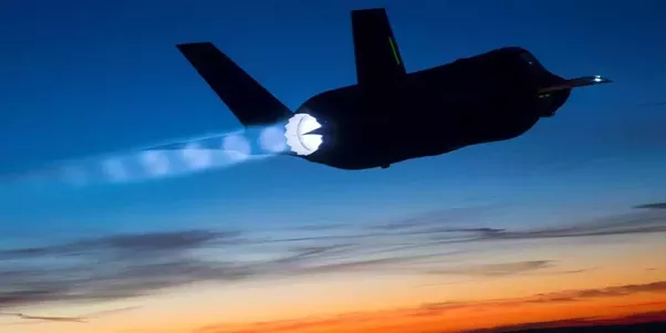 What allows an f-35 to fly with such great speed from a structural ...