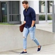 what to wear with royal blue pants