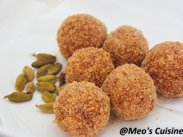 Vettu Cake Recipe Kerala Style: What Are Some Famous South Indian Snacks?