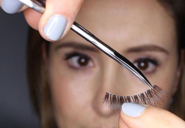 How to apply false eyelashes - Quora